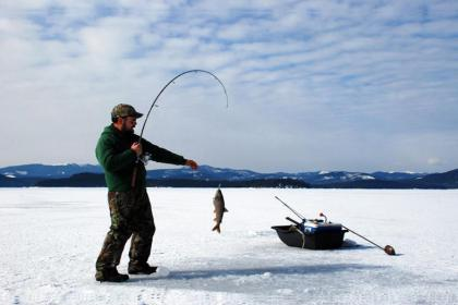 1 Day Ice Fishing & Ice Harvest Festival Tour